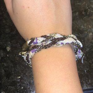 Jewelry - Floral braided bracelet